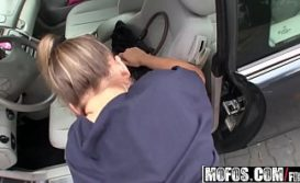 Baixar xvideos com novinha pelada dando no carro