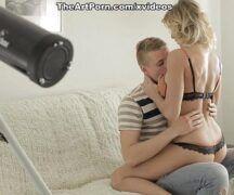 Xvidio com loira quicando no seu namorado